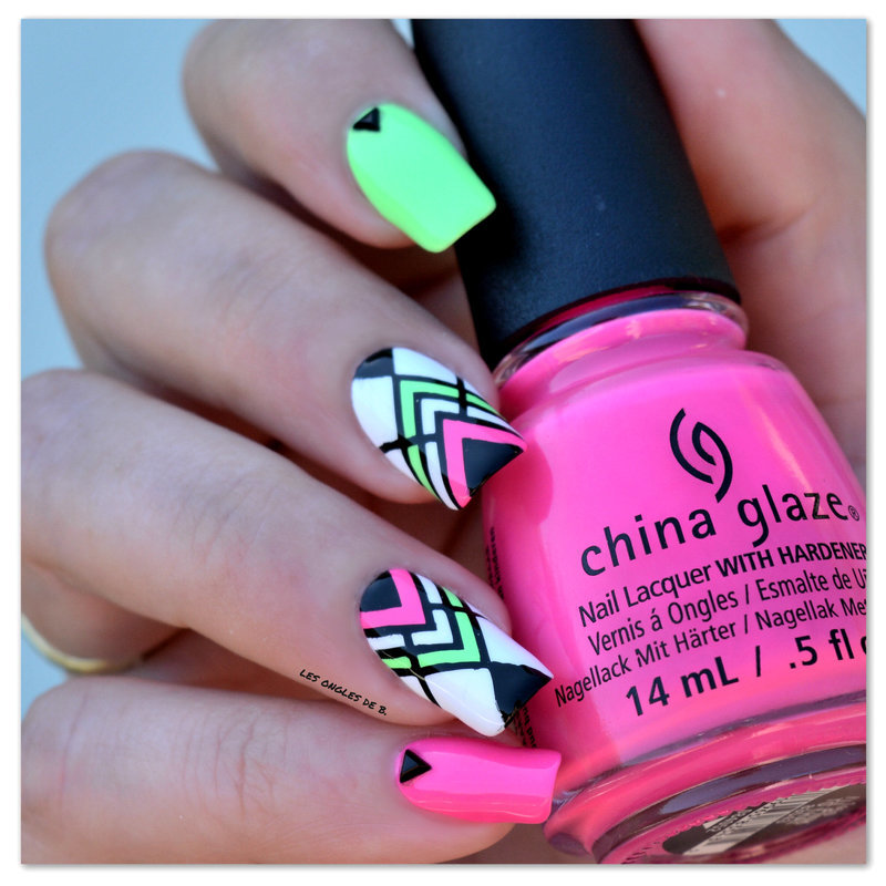 Neon & Geometry nail art by Les ongles de B.