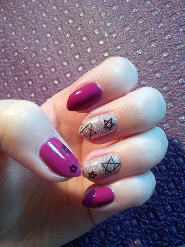 #18 nail art by Lyanna