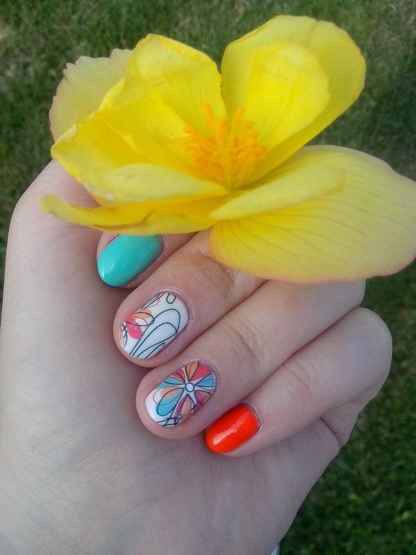 #22 nail art by Lyanna