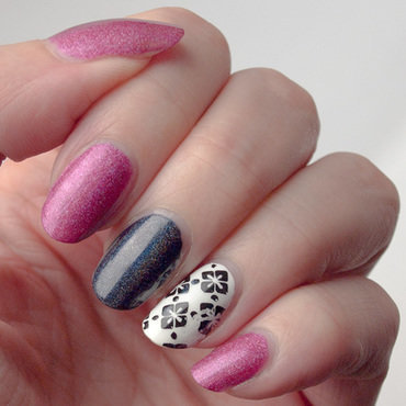 Accents reused5 pink black white instagram thumb370f