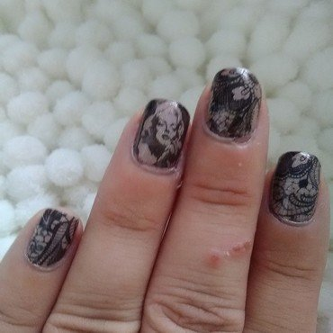 marilyn n lace nail art by Sunny