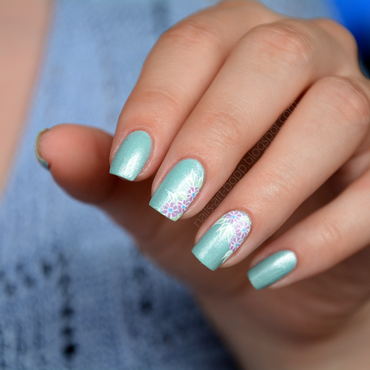 Azure Glow nail art by bopp
