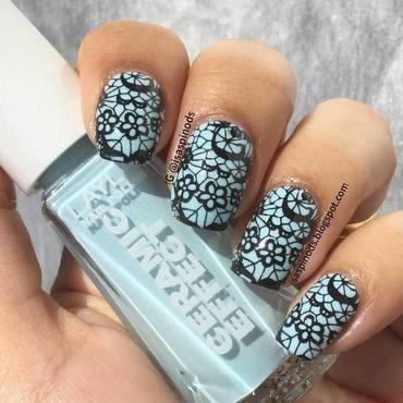 Encaje Azul y Negro! Stamping ♥ nail art by Isabel