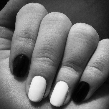 Monochrome nail art by 9Sh4DeSOfBl4ckBooD