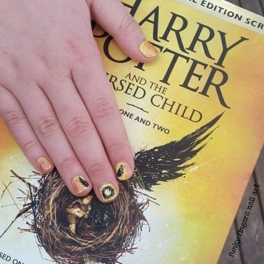 Harry potter nails nail art by Funky fingers nail art