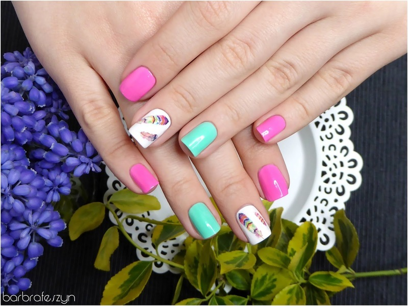 Neon feathers nail art by barbrafeszyn