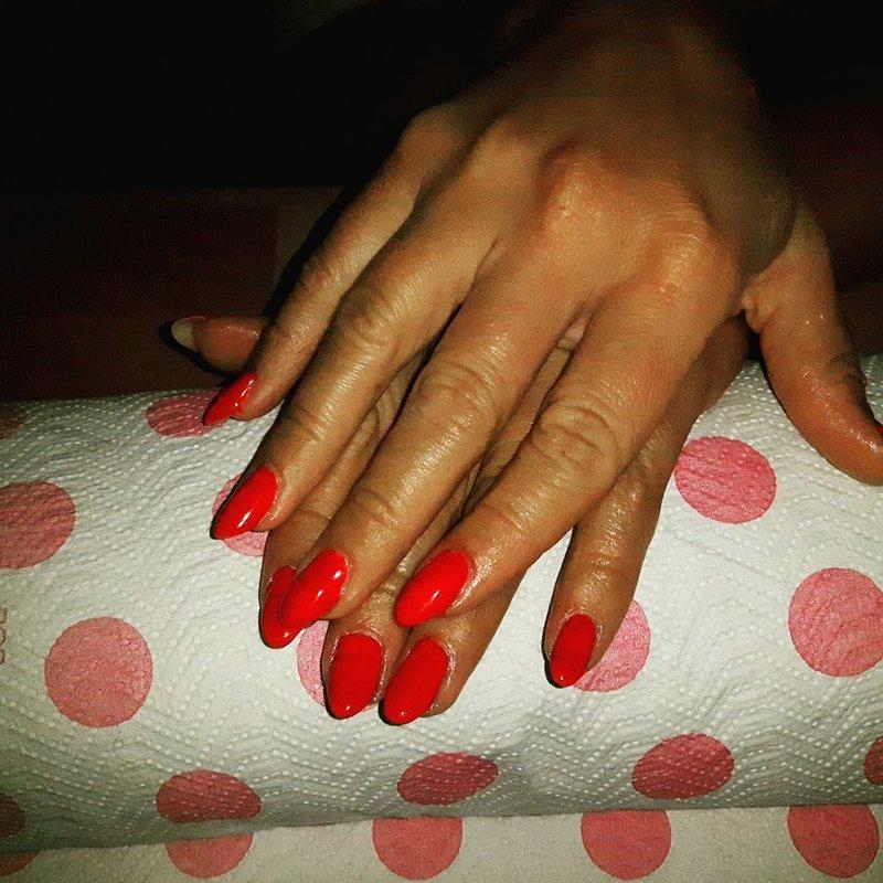 Mani Red  nail art by Ewa EvaNails