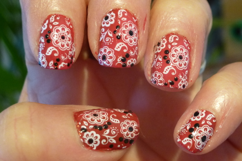 Red Bandana nail art by Barbouilleuse