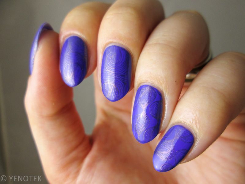 Cobalt blue with stamping nail art by Yenotek