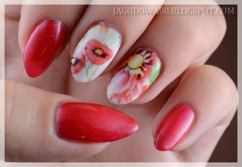 Flowers nail art by Jadwiga