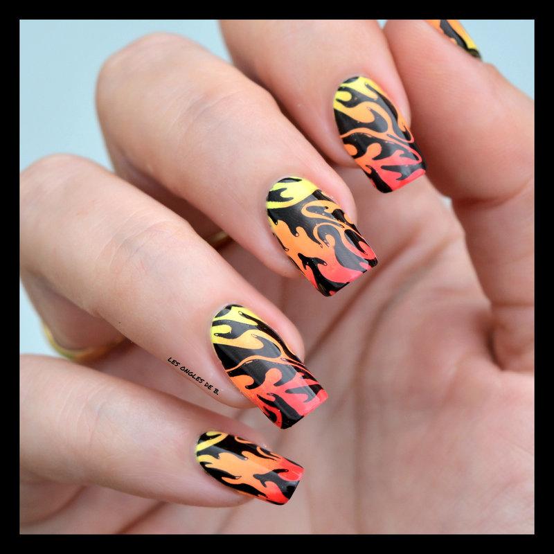 Tout feu tout flamme nail art by Les ongles de B.