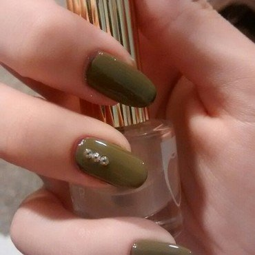 green nail art by Emme