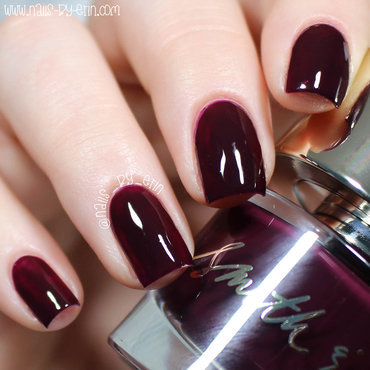 Smith and Cult Dark Like Me Swatch by Erin