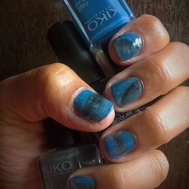 Brush strokes for a Fan Brush Friday Challenge nail art by Avesur Europa