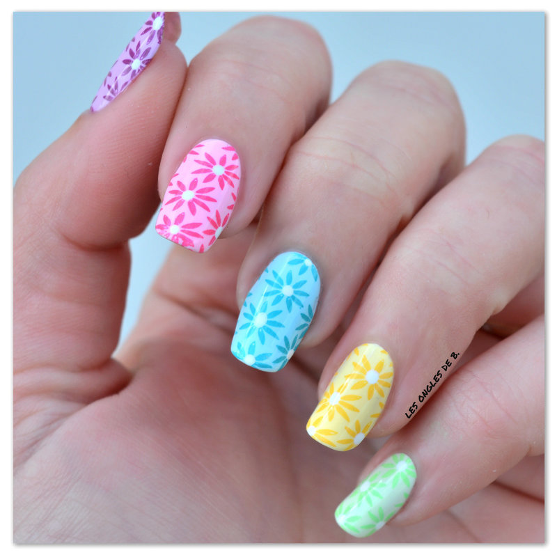 Multicolor nail art by Les ongles de B.