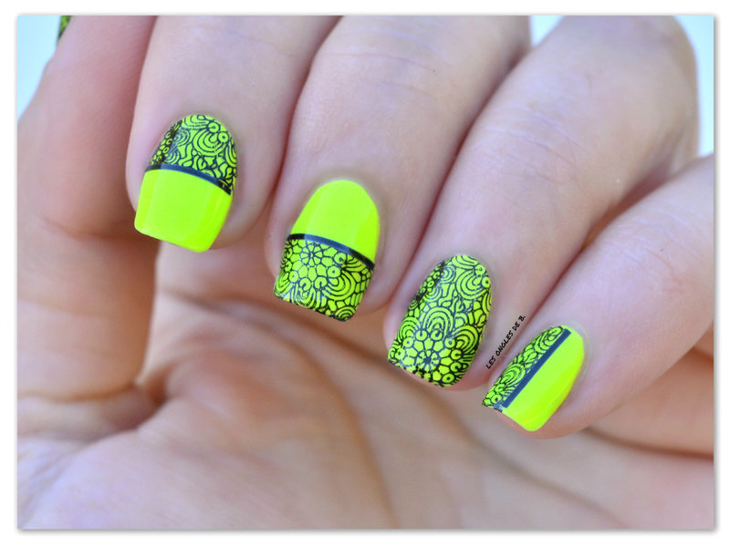 Neon nail art by Les ongles de B.