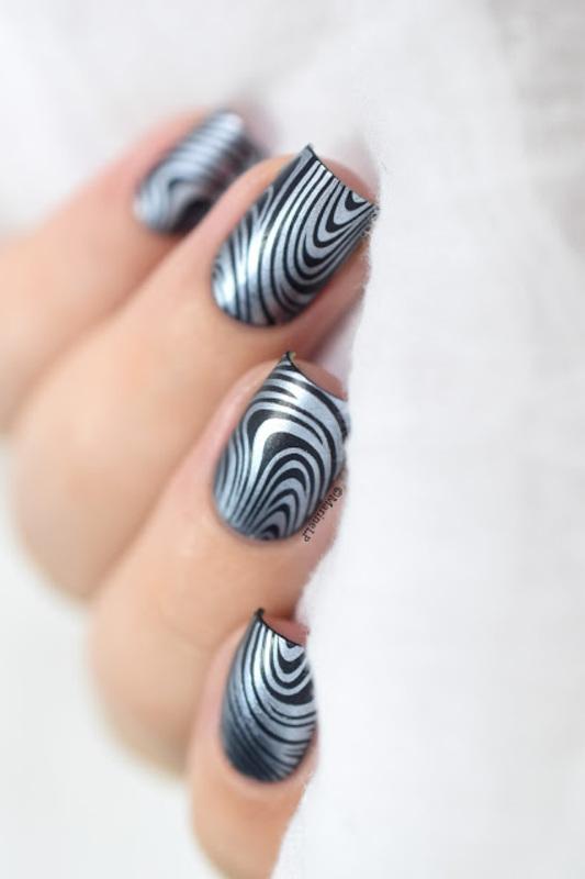 Denim marble nail art by Marine Loves Polish
