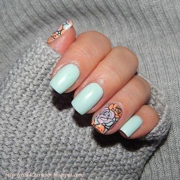 Błękity i róże nail art by Rudaczerwień