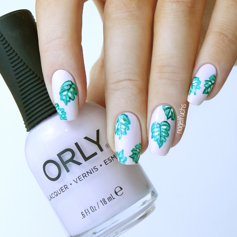 Pastel Leaves nail art by nagelfuchs