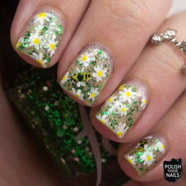 Green glitter negative space floral bee nail art 4 thumb370f
