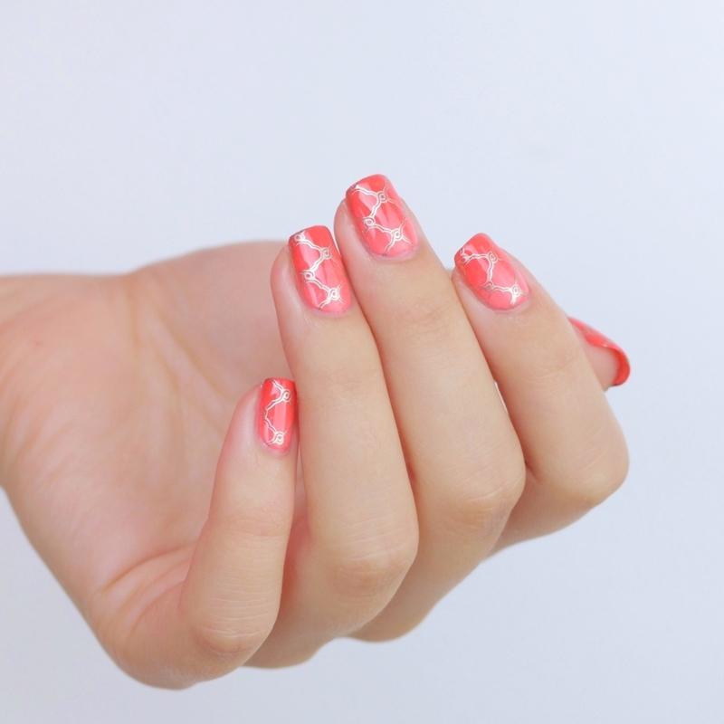 Arabesque nail art by Alina E.
