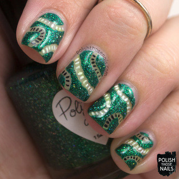Green sparkle negative space squiggles nail art 4 thumb370f