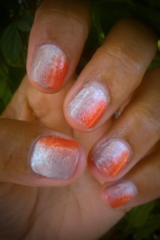 White, camel and orange fan brush manicure Friday nail art by Avesur Europa