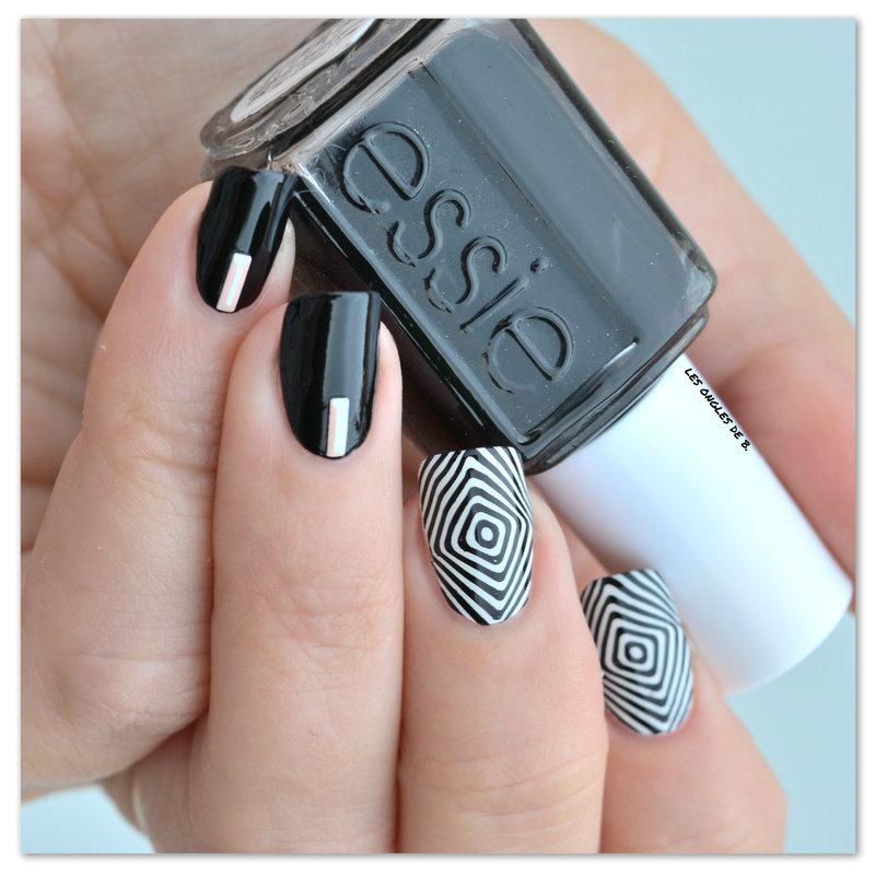 Illusion black & white nail art by Les ongles de B.