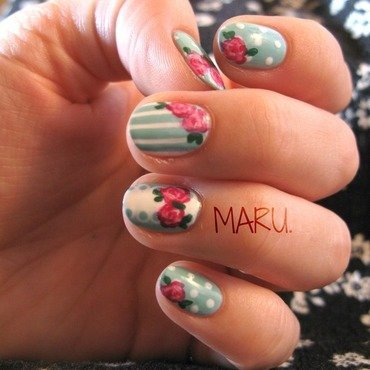 Vintage Roses nail art by Martina