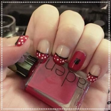 Minnie Mouse nail art by SakaNail