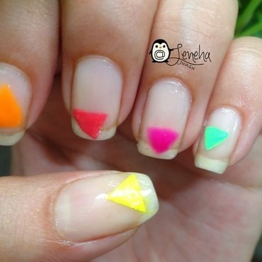 Triangle Nails nail art by Leneha Junsu