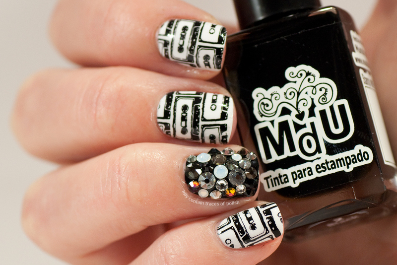 Black and white music nails nail art by Zara TracesOfPolish