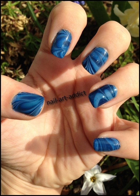 Nail Art : Watermarble nail art by SowNails