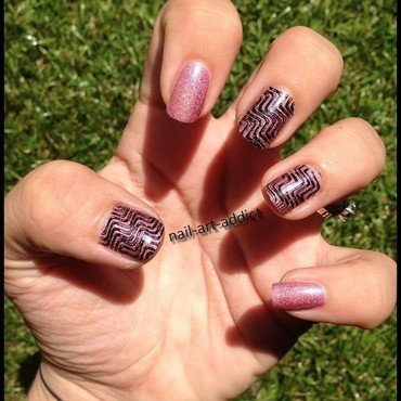Nail Art : Stamping Holographique nail art by SowNails