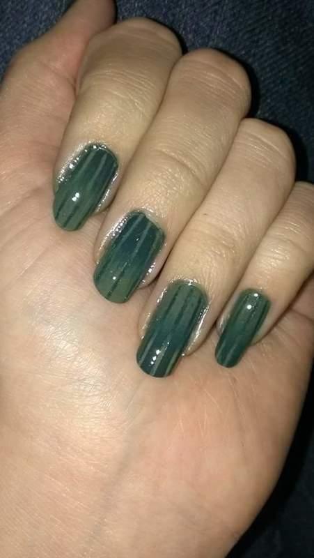 Striped gradient  nail art by Sabina Salomonsson