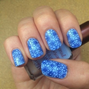 Blue flowers nail art by skier2201