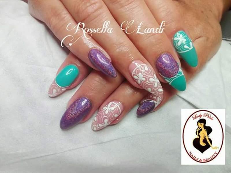 Bicolor nail art by Rossella Landi
