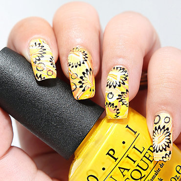 Yellow & orange nail art by Nanneri
