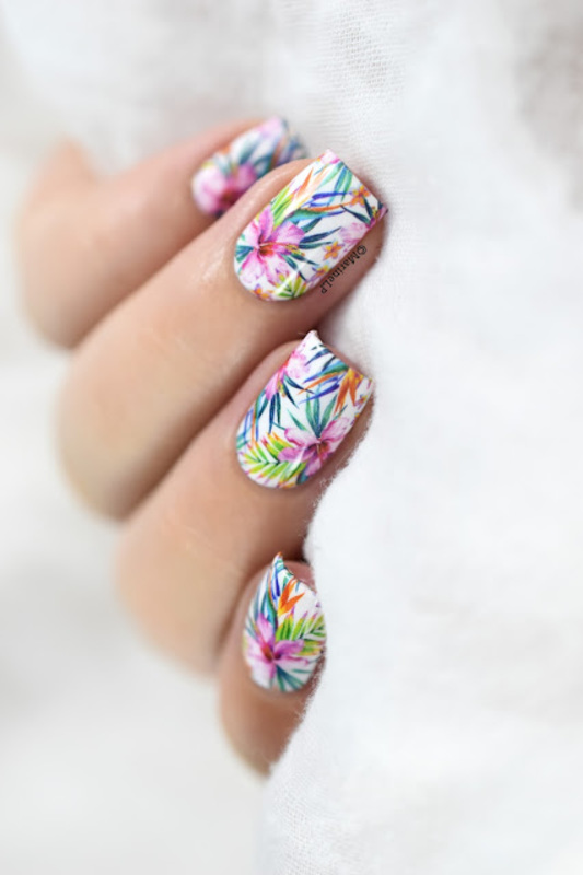 Summer is not over yet! nail art by Marine Loves Polish