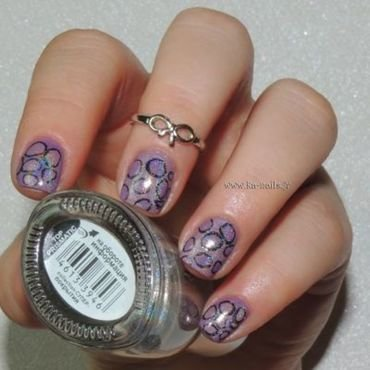 Entre Bulles … On Bulle ! nail art by Ka'Nails