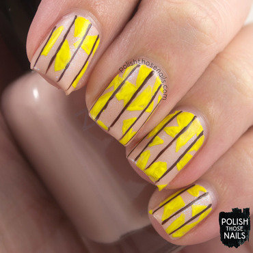 Yellow geometric stripe neutral nail art 4 thumb370f