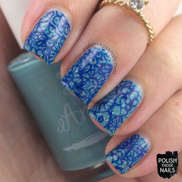 Blue sparkles floral doodle nail art 4 thumb370f