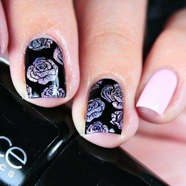 Holo Roses nail art by Romana