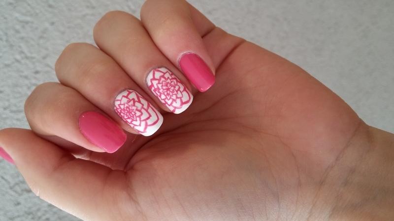 free hand flower nail art by Maya Harran