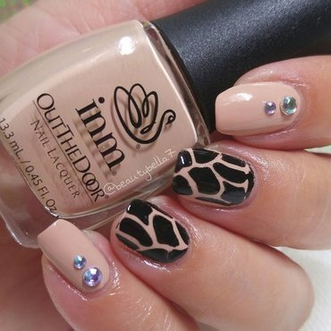 Holly Cow nail art by Bellini Solis