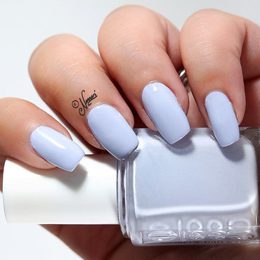 Essie 20  20virgin 20snow 20swatch thumb370f