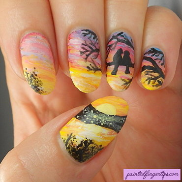 Birds freehand nails thumb370f