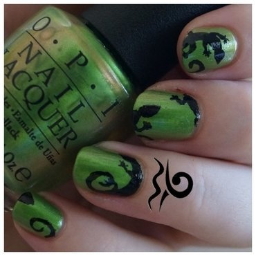 My gecko does tricks nail art by Libraquarius