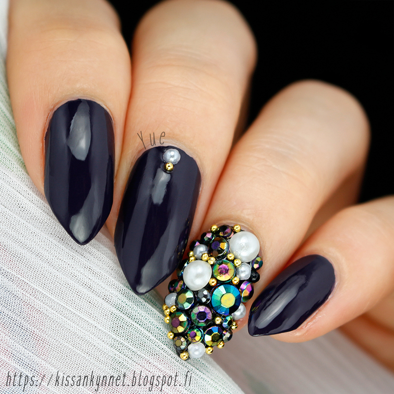 The right amount of too much nail art by Yue