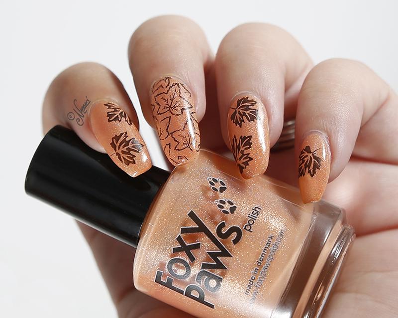Leaves nail art by Nanneri